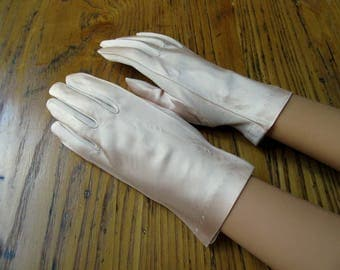 Pink Satin Dress Gloves, Size 7, Vintage Pink Gloves, Pink Satin, Vintage Gloves, Dress Gloves, Short Dress Gloves, Wedding Gloves, Prom