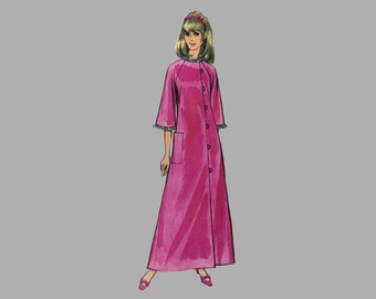 1967 Robe Pattern, McCalls 9013, Size 18, Bust 38, Two Lengths, Raglan 3 quarter sleeves, Assymetrical loop front closing, Patch pockets