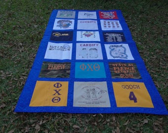 T Shirt Quilt with 18 Squares nearly twin size