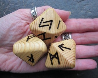 Unique and Exclusive, Natural Wood - Rune Dice - in Pine Wood. Set 104.