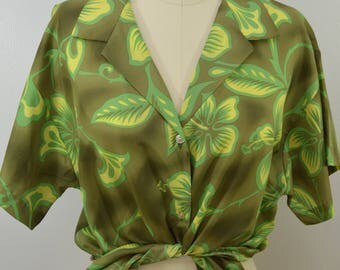 Vintage HILO HATTIE Ladies Hawaiian Shirt size Large Made in Hawaii usa