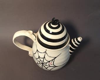 Sandworm teapot