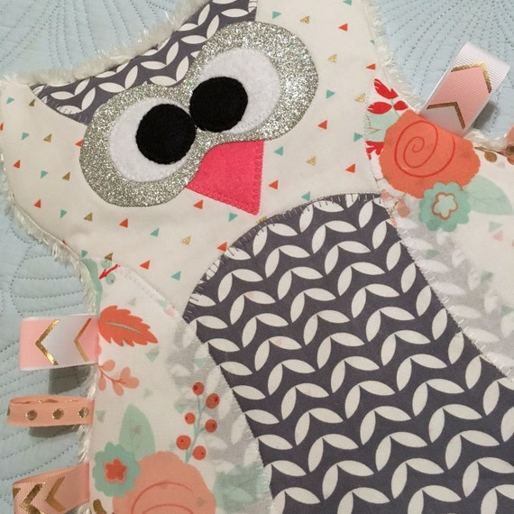 "Personal Use PDF Pattern for ""Maggie the Taggie Owl"" Tag Blanket"