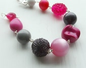 plum duff bracelet - vintage lucite and silver - raspberry pink and grey bracelet