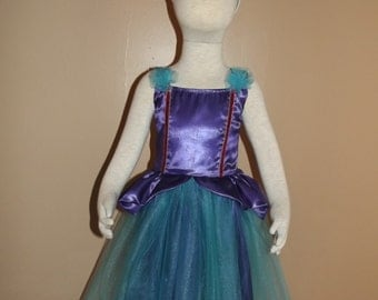 Princess dress, size 3/4, with crown