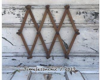 Peg Rack - Wooden Peg Rack - Accordian Peg Rack - Jewelry Holder - Coffee Mug Holder - Dog Leash Holder - Coffee Mug Rack - Wood Peg Rack