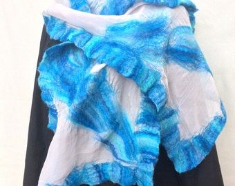 Handmade felt scarf Frozen Beauty