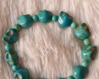 Imitation turquoise bracelet skulls