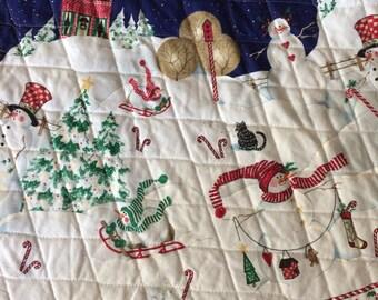 Vintage Daisy Kingdom Peppermint Hill Christmas Tree Skirt
