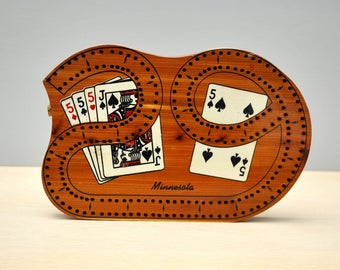 Vintage 1960's cribbage board, cedar, shape of 29, Minnesota souvenir, 2 track with 4 pegs, nice