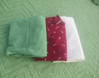 fabric remnant lot / sewing notions / calico  / craft materials quilt / savannahwillow / bag b