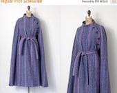 20% OFF SALE... vintage 1970s cape coat / 70s wool cape coat / Hourihan