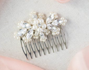 Bridal hair comb / wedding hair comb / crystal hair comb / pearl hair comb / bridal hair accessory / HONOUR