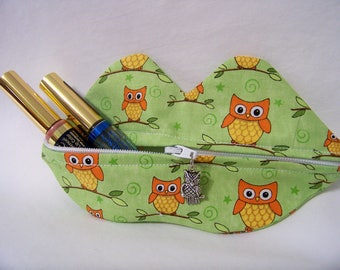 Zippy Lips in Owls Love U in Grass - Makeup Pouch - Coin Purse - Lipstick Pouch - Ready To Ship