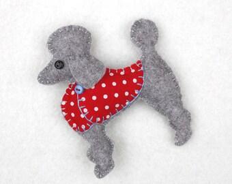Felt dog magnet, Poodle magnet, Poodle Christmas ornament, Dog Christmas Ornament, Christmas magnet, Handmade Poodle, Dog gift, Mimi