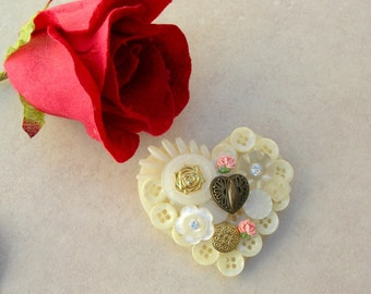 Creative Button Heart Pin, assorted buttons and roses