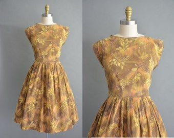 50s Ann Taylor cotton floral vintage dress. 50s dress /  vintage 1950s dress