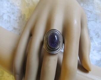 Vintage Sterling Silver Cabochon Amethyst Ring