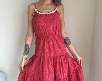 ON SALE vintage 70s dress /sun dress/sundress /red ditsy floral print/boho indie hippie summer gypsy size medium HEIDI
