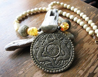 Beaded pendant necklace | round | dragon | bohemian | boho chic | brass | bone | statement | tribal