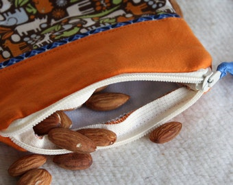"Reusable Snack Sack, Mini Size - 5"" x 5""- Machine Washable, Zippered, EcoFriendly, Jungle Animal motif"