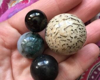 Lot of 4 Rare Natural Spheres Crystal Balls Feldspath Graphic Feldspar Moss Agate Jet Shungite