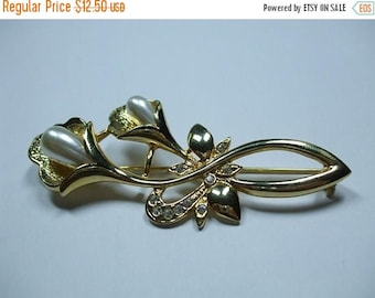 SALE 50% OFF Vintage Gold Rhinestone and Pearl Cala Lily Brooch