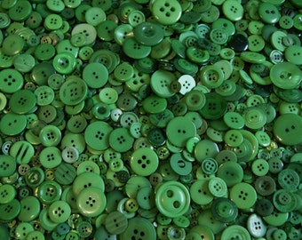 50 Green Buttons, Kelly Green, Emerald Green, Shamrock Green Assorted sizes Grab Bag  (1354)