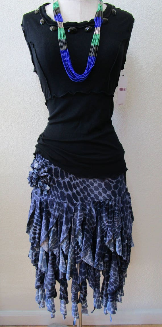 Royal blue retro print skirt with many layers plus made in USA (v36)