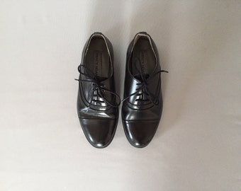 black leather oxfords | 90s brogues | size 6