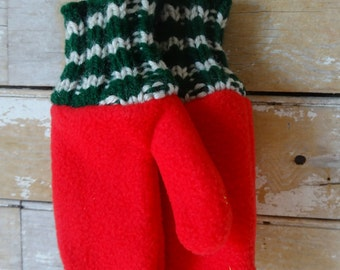 Vintage Children's Mittens Adorable Red Green White