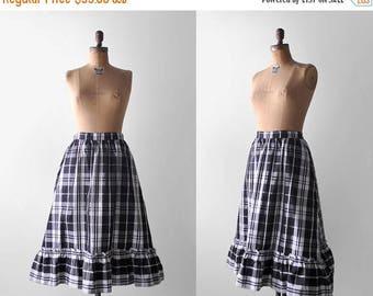 25% OFF 1960's plaid skirt. black & white. 60's full skirt. ruffled. medium skirt. 1960. taffeta.