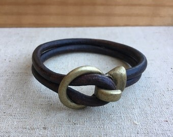 Antique brass LOOP and HOOK leather bracelet: color dark brown