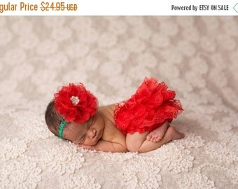 CHRISTMAS SALE Red Christmas Bloomer and Headband Set, Newborn Photo Prop, Baby Girl Prop, Lace Bloomers, Diaper Cover, Girl Photo Prop, Chr
