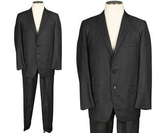 vintage 1950s 60s mens suit • size 42 • SHARKSKIN stripes