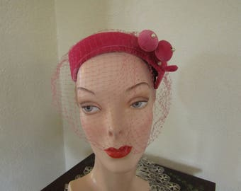 Vintage 1950's Deep Pink Velveteen Close Skull Day Church Evening Hat with Veil