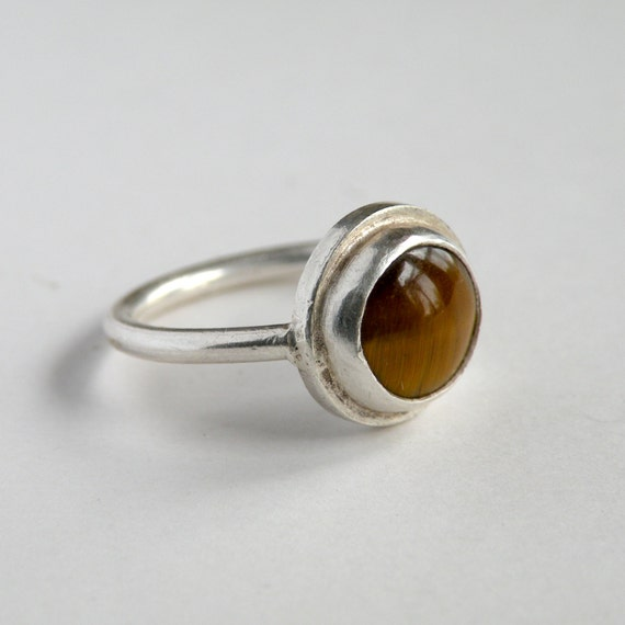 Tiger's eye ring in silver