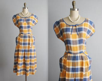 50's Plaid Shirtwaist Dress // Vintage 1950's Vibrant Plaid Cotton Full Casual Shirtwaist Dress M