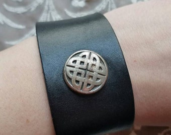 Vintage Black Leather Snap Bracelet Celtic Protection Knot Shield Father and Child Bond Fathers Day