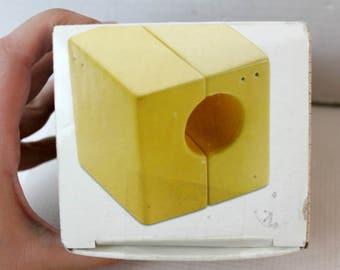 mid century modern salt and pepper shakers, cube design, yellow ceramic