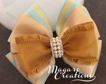 Girl hair bow,gold hair bow,girl hair bow,toddler hair bow,bow hair clips,boutique hair bow,hair bow for girls,hair bow.