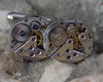 Beautiful Pair of Wittnauer Jeweled Steampunk Watch Movement Cuff links CL 42