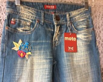 Women' s Moto U.K. Design  embroidered Jeans Sz 25