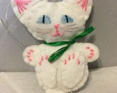 White Kitty Cat Wool Felt Christmas Tree Ornament/Pocket Toy