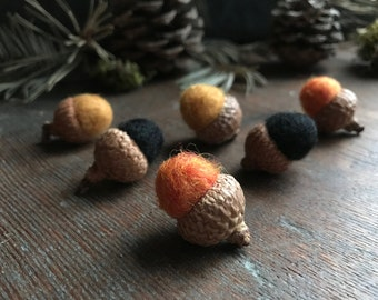 Felted wool acorns, set of 6, Halloween mix: Pumpkin Orange, Black, and Saffron Yellow, halloween decoration, natural halloween party favor