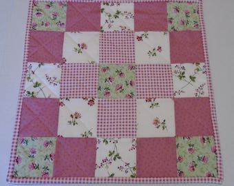 Quilted Table Topper in Pink and Green, Floral Table Quilt, Quilted Table Runner, Cottage Chic Table Topper, Square Quilted Tablecloth