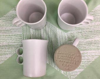 Bennington Potters Set of 4 White Glazed Trigger Handle Mugs 1340, Retro Style Coffee Cups, Coffee Cup Gift Set