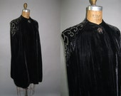 Vintage 1930s Beaded Cape - Glam Black Velvet Evening Cloak - One Size