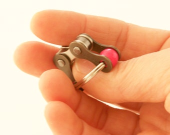 Fidget Toy for ADHD, Sensory Therapy, Stress Reduction Toy, Concentration Toy, Pink Bike Chain Toy,  quiet pocket fidget toy