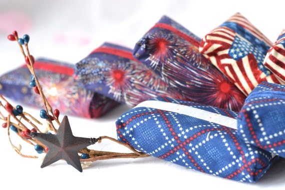 Patriotic Party Favor Set of 10... Kleenex Pocket Tissue Holders, 10 Handmade Memorial Day Party Favors, Office Gifts, Easter Basket Filler